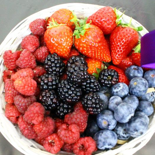 Basket with berries vitamin