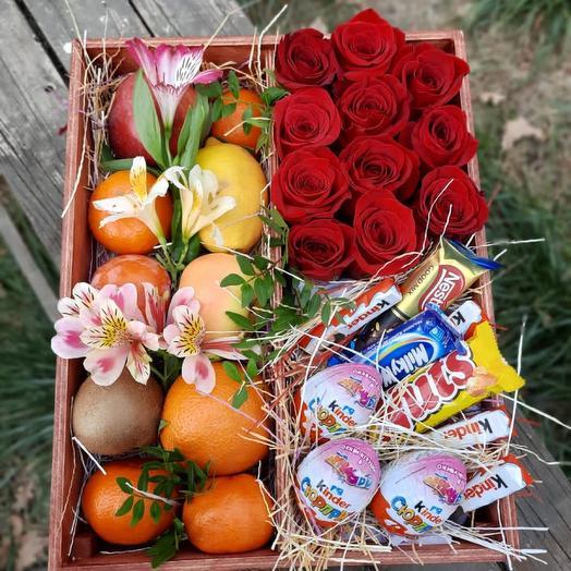 Розы, фрукты и шоколад