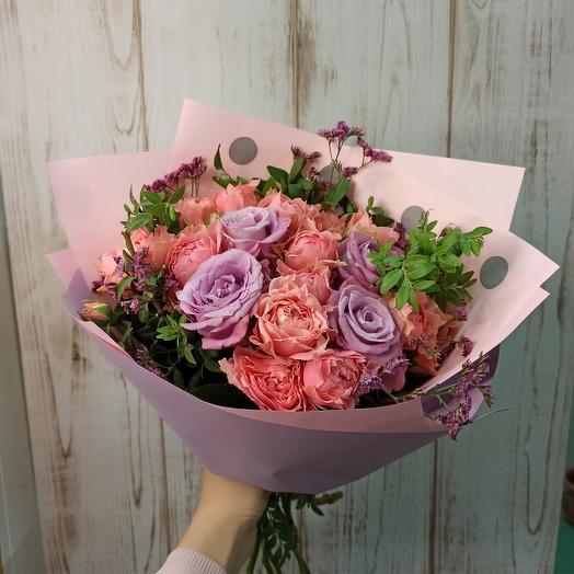 Сиреневый закат с пионовидными розами