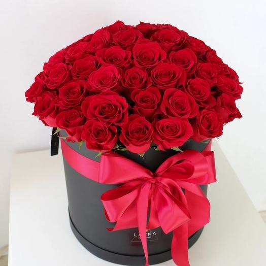 51 красная роза в большой черной коробке