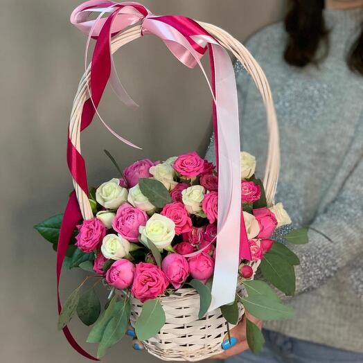 Корзина с кустовыми розами номер 16