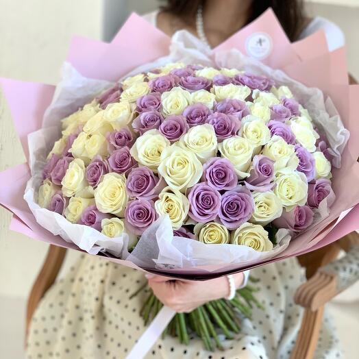 Букет из 101 белой и сиреневой розы