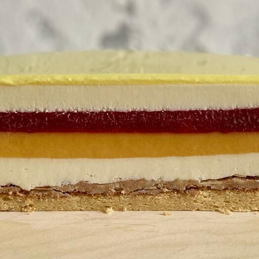 Муссовый торт клубника -манго-маскарпоне