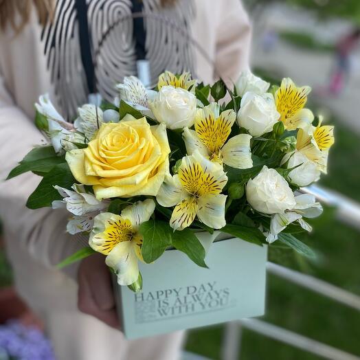 Стильная сумочка с цветами