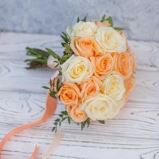 Букет «Персикавая ваниль» для невесты