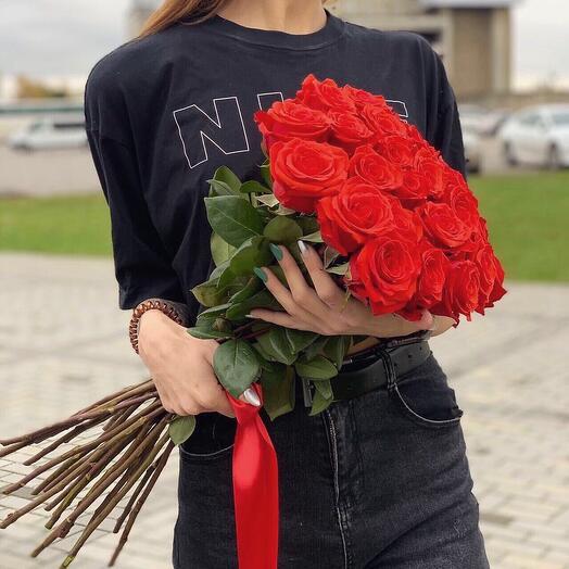 Красные розы 25 шт