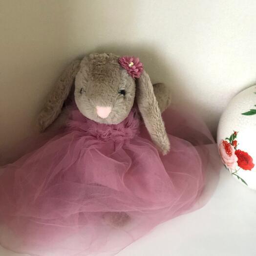 Кролик в платье