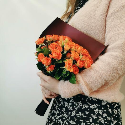 Букет Апероль 11 из оранжевых кустовых роз