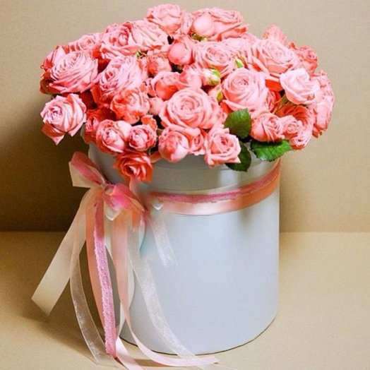 BTS 157010 Pink roses in a hat box