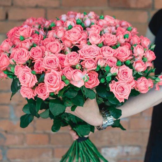 Букет из 29 розовых кустовых роз 60 см: букеты цветов на заказ Flowwow