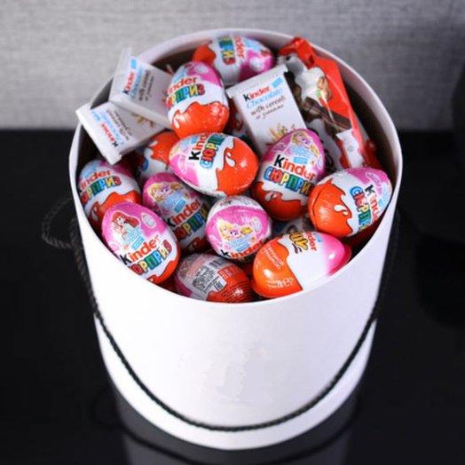 Шляпная коробка с киндер сладостями. Код 180107: букеты цветов на заказ Flowwow