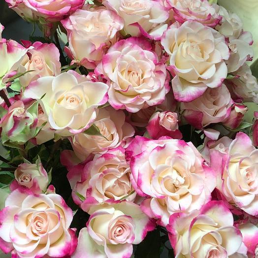 Кустовые розы «Рефлекс»: букеты цветов на заказ Flowwow