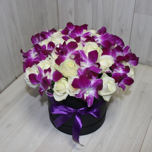 Белая роза с орхидеями 2