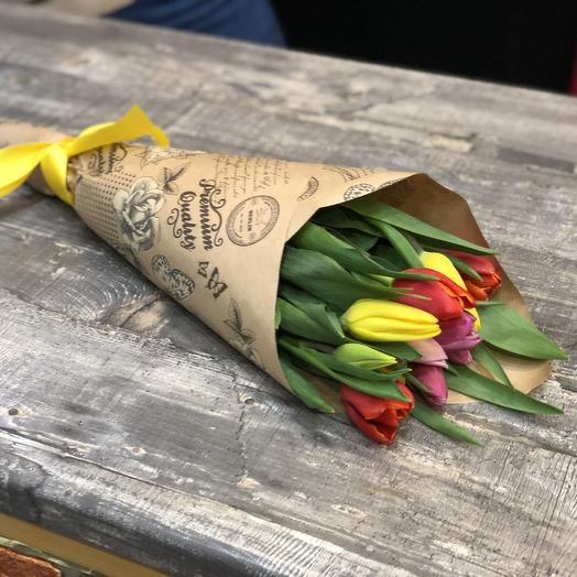 11 высоких тюльпанов в букете: букеты цветов на заказ Flowwow