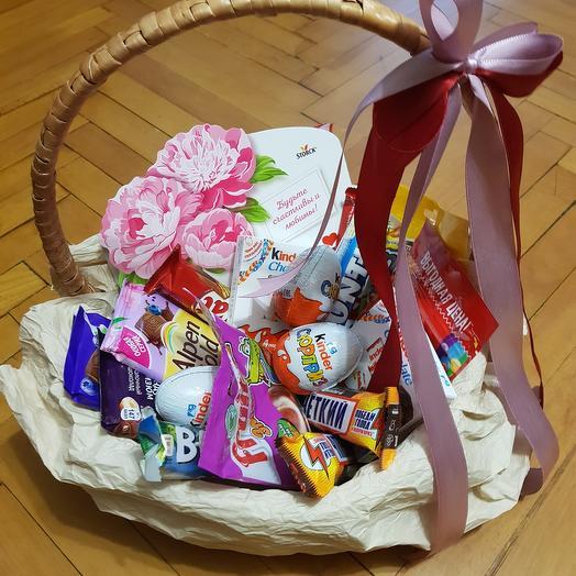 Корзина сладостей: букеты цветов на заказ Flowwow