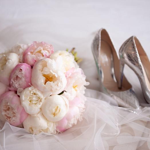 Пионовая свадьба: букеты цветов на заказ Flowwow