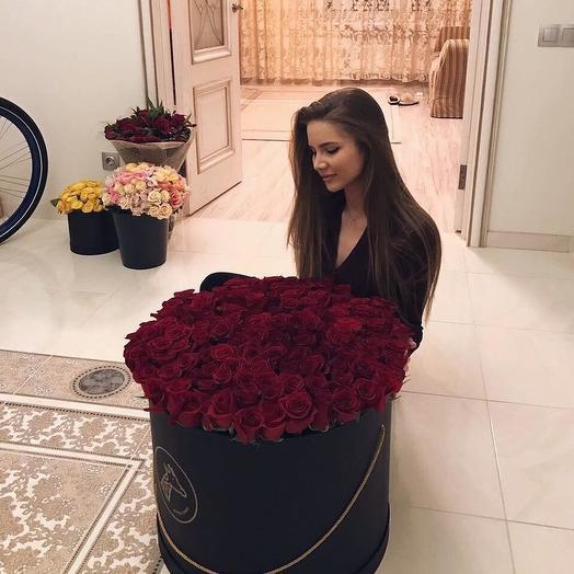 ОГРОМНАЯ КОРОБКА С РОЗАМИ: букеты цветов на заказ Flowwow