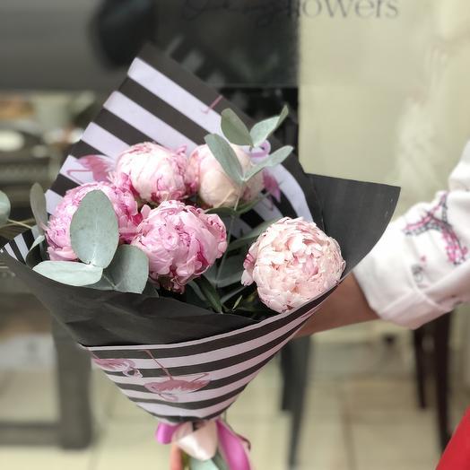 Букет из пионов Розовый фламинго: букеты цветов на заказ Flowwow