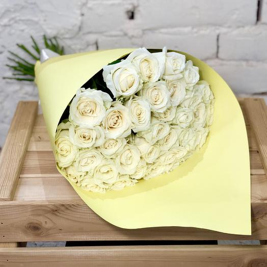 "Bouquet of white roses ""Lemon Cheesecake"""