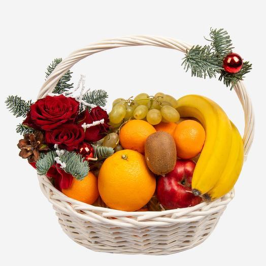 "Корзина с фруктами ""Зимний натюрморт"": букеты цветов на заказ Flowwow"