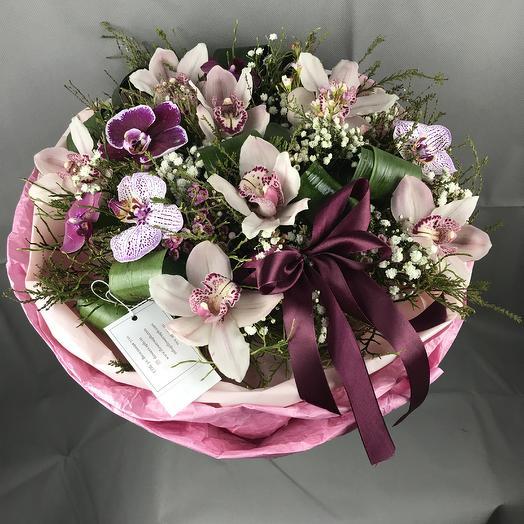 Нежность орхидеи: букеты цветов на заказ Flowwow