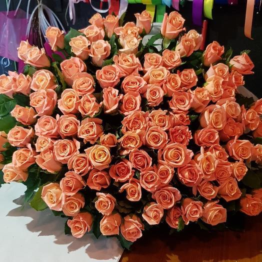 101 роза персик: букеты цветов на заказ Flowwow