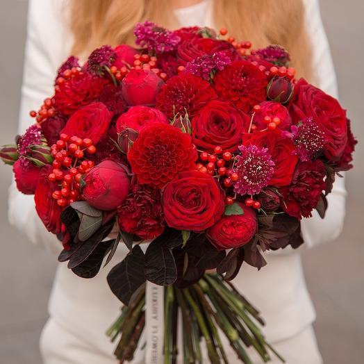 Авторский букет Luxury Flowers Красный бархат