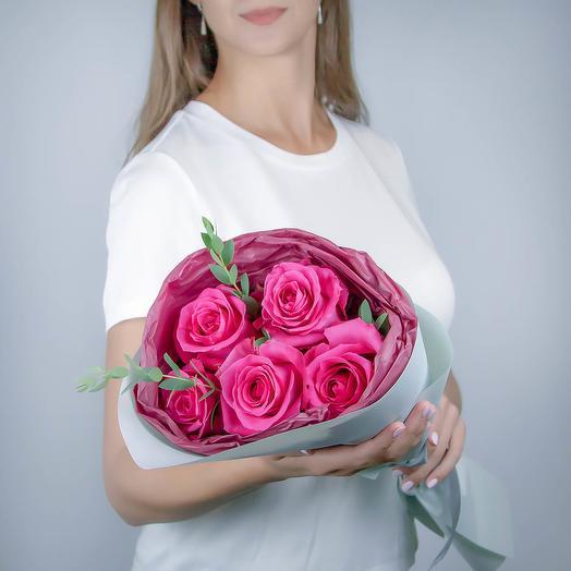 5 малиновых роз премиум класса