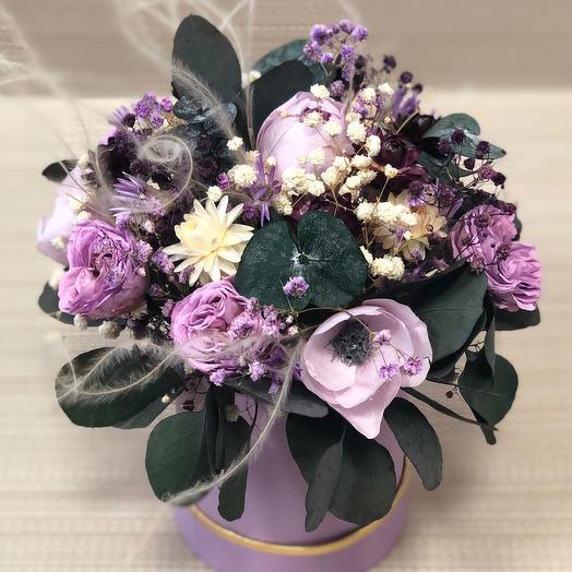 Букетик Сиреневые анемоны и розы