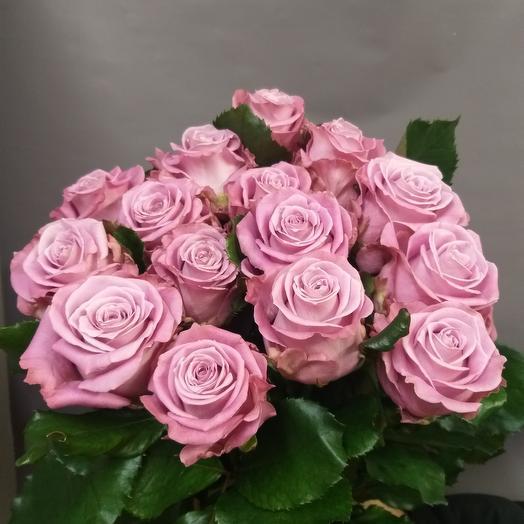 15 лавандовых роз