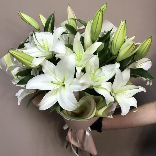 7 белоснежных лилий