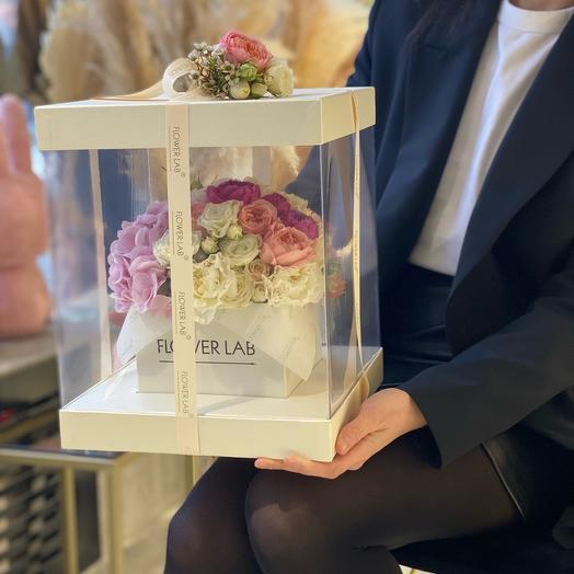 Цветы в коробке куб