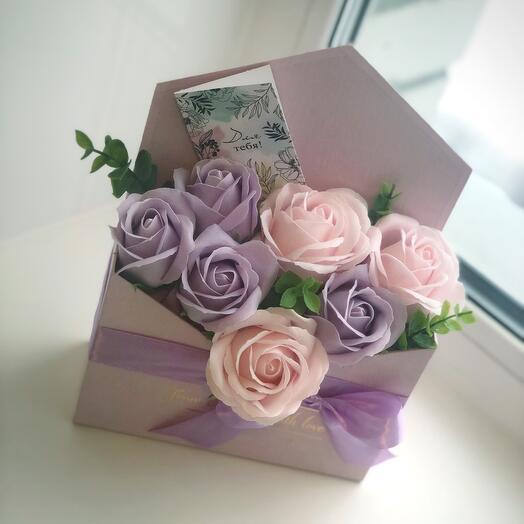 Мыльные розы в коробке-конверт