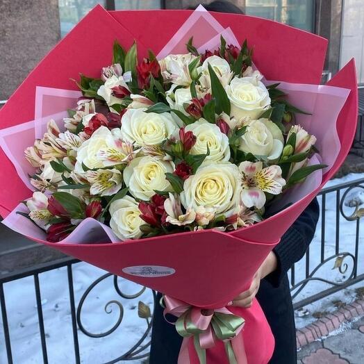 гиганский микс из роз и альстромерии