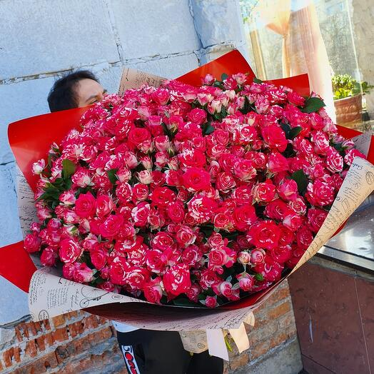 Шикарный букет 💐мраморной кустовой розы 51 шт