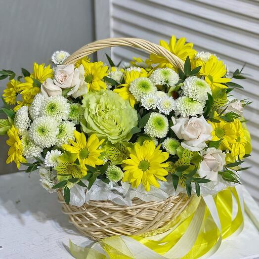 Солнечная цветочная корзина