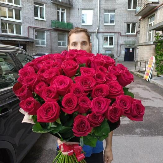 51 Роза 70 см в стильном крафте