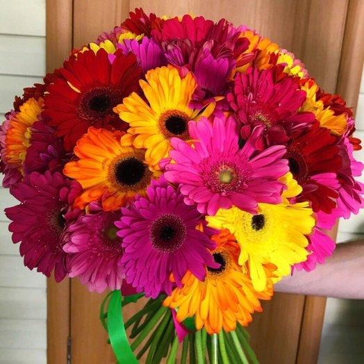 Букет из разноцветных гербер: букеты цветов на заказ Flowwow