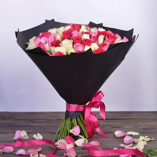 61 роза в стильной упаковке