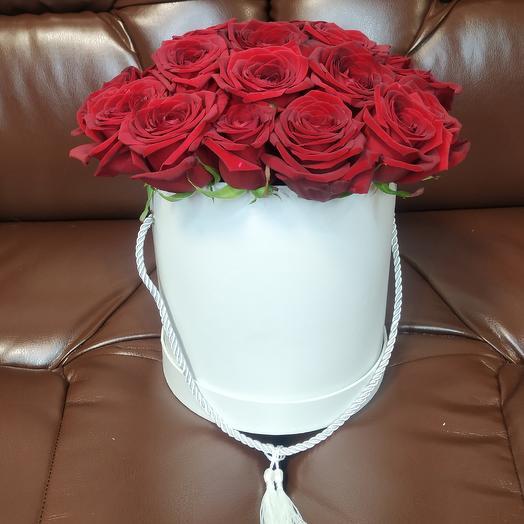 Шляпна коробка с 21 розой: букеты цветов на заказ Flowwow