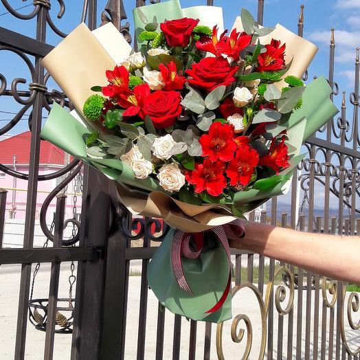 С любовью в сердце: букеты цветов на заказ Flowwow