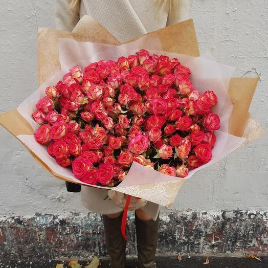 Букет из 29 кустовых роз: букеты цветов на заказ Flowwow
