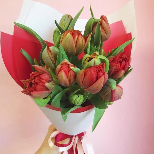 Букет красных пионовидных тюльпанов: букеты цветов на заказ Flowwow