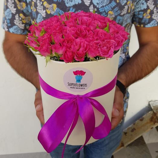 Коробка из 19 кустовых роз: букеты цветов на заказ Flowwow
