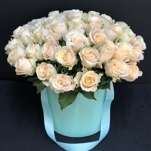 Коробка из 55 роз: букеты цветов на заказ Flowwow