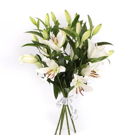 5 лилий белая красавица