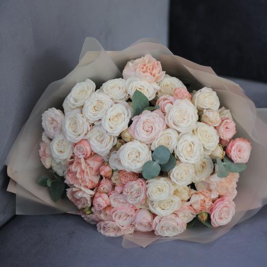 Букет из кустовых пионовидных роз: букеты цветов на заказ Flowwow