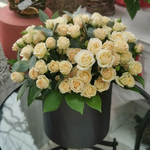 Cylinder with roses