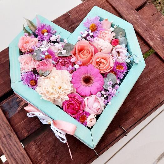 """Ящик- сердце с цветами """"Моей половинке"""""""