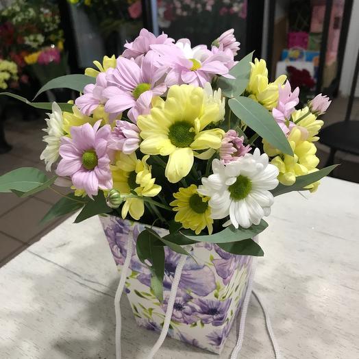 Цветы в коробке  сумке